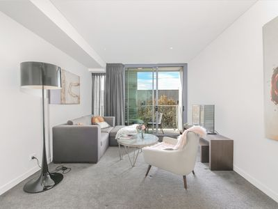 Photo for 1 bedroom mordern apartment in sydney chatswood cbd
