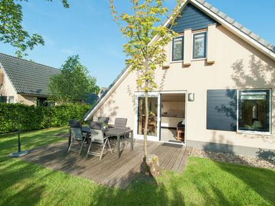 Photo for Holiday home in a small scale bungalow park in the southwest corner of Friesland