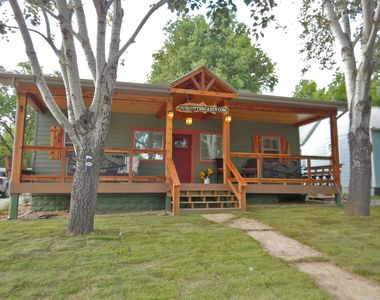 Photo for Great SPRING AND SUMMER RATES IN OUR 5 STAR COTTER CABIN CHOICE DATES!