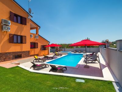 Photo for Great villa with pool in Pula near the sea