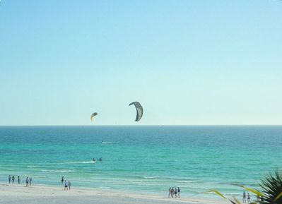 Pure White Sand Beach At Your Front Door - Parasailing - Kayaking - Wind Surfing