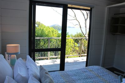 Bayview - Masterbedroom, sea views!