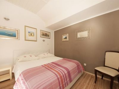 Photo for Studio apartment in the center of Split with Air conditioning (423029)
