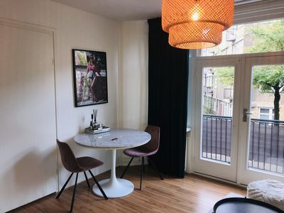 Bright lovely apartment for 4 person, free parking, 8 min to city center!