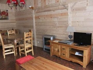 Charming Apartment T4 in Saint Lary Village in quiet residence
