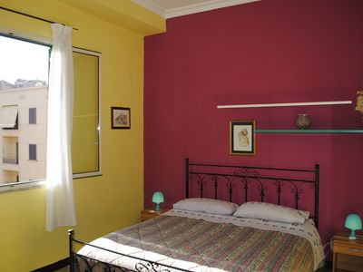 Photo for Comfortable apartment 2 steps from the historic city center