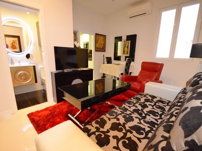 Photo for Apartment close to the Opera and the Palace