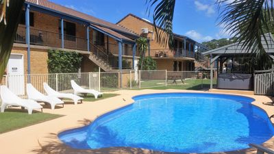 Photo for 300m to Beach, Cafes, Pub, clubs + mins drive to attractions and shops