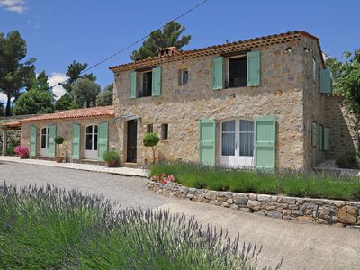 Photo for Provencal air-conditioned villa with private pool and stunning views