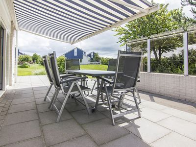 Photo for 6-person villa in the holiday park Landal Beach Park Texel - on the coast/the beach