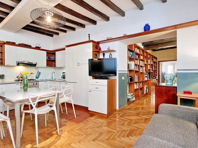 Photo for BORROMINI 2-bedroom apartment two steps away from Navona Square