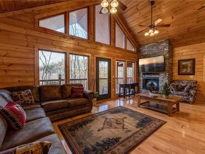 Photo for Hickory Hollow Lodge - Eight Bedroom Cabin