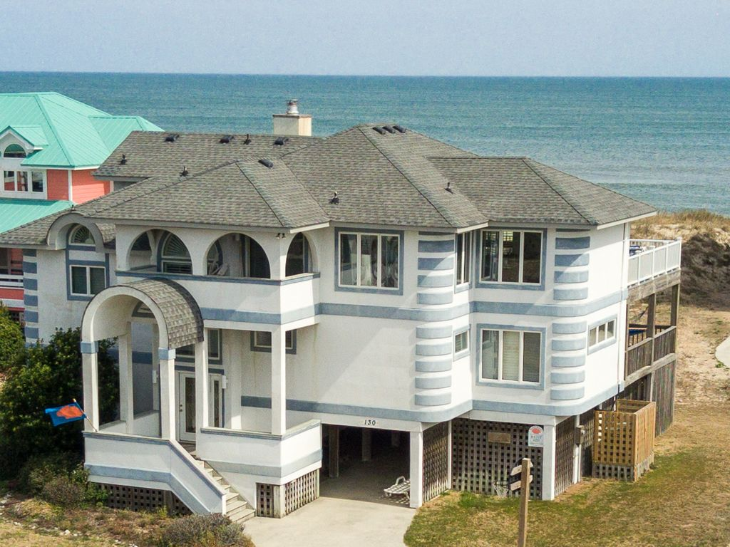 D4251 Victoria's View. OCEANFRONT in Duck, Pool, Hot Tub, Sheets.