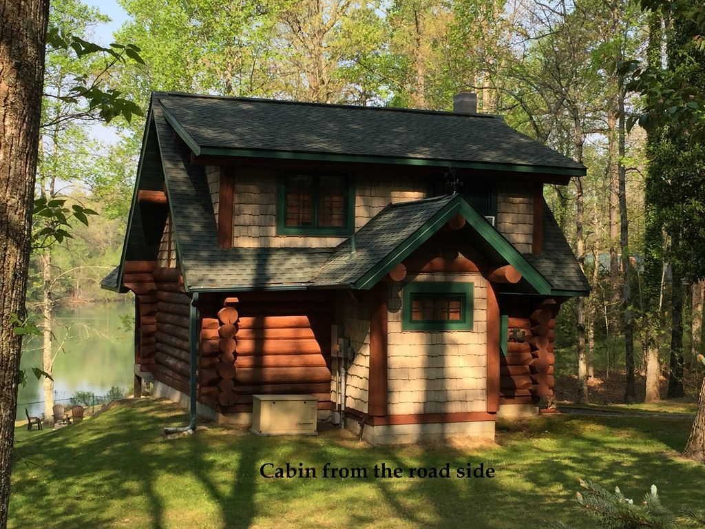 Lake side log cabin cozy quite brevard asheville for Cabins near hendersonville nc