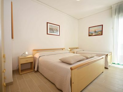 Photo for Lovely apartment for 5 guests with pool, A/C, TV, balcony, pets allowed and parking