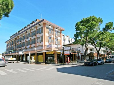 Photo for 2 bedroom Apartment, sleeps 6 in Lido di Jesolo with Air Con