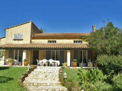 Photo for Detached villa with garden and private pool in Provence.