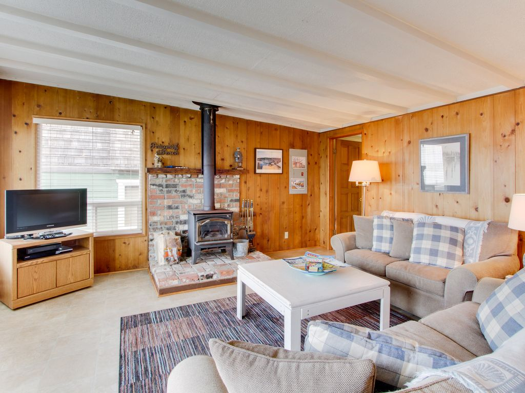 Spectacular Ocean Views From This Dog Friendly Cottage Await Vrbo
