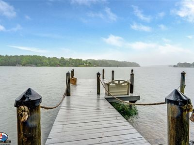 PENINSULA DREAM - Charming Lakefront Home with Fantastic Water View and Gentle lot!