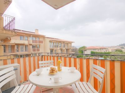 Photo for One bedroom Apartment, sleeps 4 in Saint-Tropez with Pool, Air Con and WiFi