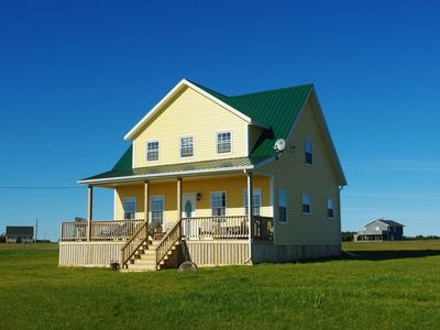 Photo for Prince Edward Cottage - close to beach, air cond, great views, family freindly