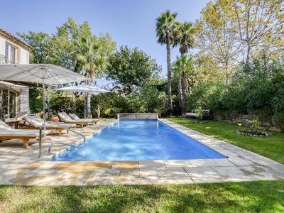 Photo for Charming Villa in a guarded estate, beautiful private pool
