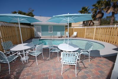 Nice private pool and patio area, separate carriage/guest house.