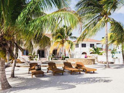 4BR/4BA Caribbean Seafront, 2-Level Island Home, Pool, Kayaks, and Privacy