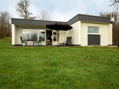 Photo for Luxury 4-person bungalow in the holiday park Landal Hochwald - in the mountains/rolling countryside
