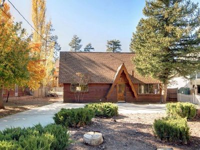 Photo for Charming Airy 3 bed 2 bath Chalet near The Village