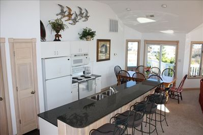 Well-equipped Kitchen & Dining Area