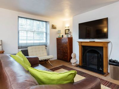 Photo for Lovely Islington apartment sleeping 4, 20 mins from central London (Veeve)