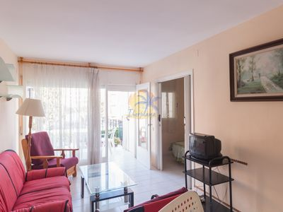 Photo for Apartment 6 pax located at 425mts. From the beach of Llevant (Salou).
