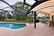 Villa Milano - Beautiful Newly Rennovated Pool Home in Prime Location