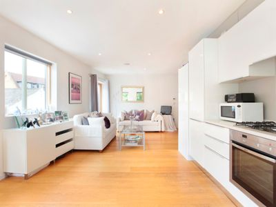 Photo for Modern & well-located 1BR Apt in St John's Hill