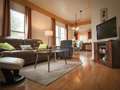 Photo for ★Downtown Getaway★ Beautiful Retreat Near Downtown & Hyde Park -King Bed ★