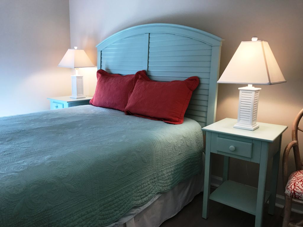 north myrtle beach 2 bedroom condo with ocean views pet friendly wifi north myrtle beach. Black Bedroom Furniture Sets. Home Design Ideas