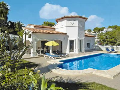 Photo for Whitewashed villa near lovely harbour & beach - great choice of shops & restaurants a short drive away