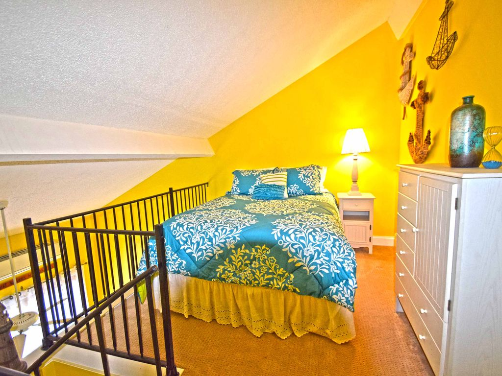 Old Port Cove West 30-Baywater 28th St, Free WiFi, Pool, W/D, AC