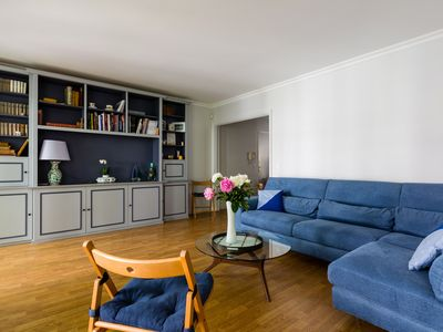 Photo for Contemporary 3BR near the Jardins du Trocadero, by Veeve