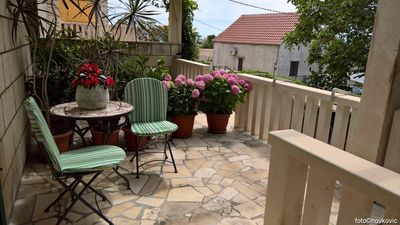 Photo for Studio flat with terrace and sea view Bol (Brač) (AS-2921-b)