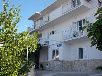 Photo for One bedroom apartment with balcony and sea view Duće, Omiš (A-4798-b)