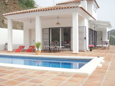 Photo for Detached villa with WiFi, all on one level, private swimming pool and sea view