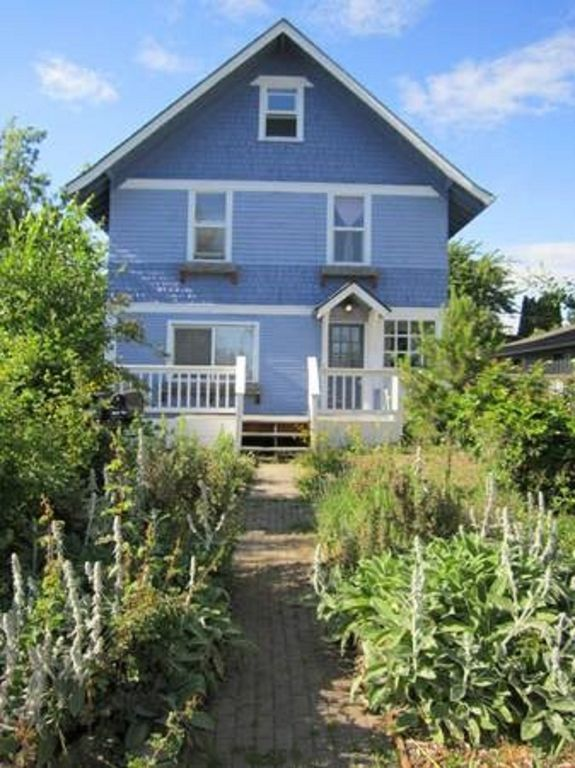Stay at The Classic! Bellingham Victorian in Beautiful Columbia District