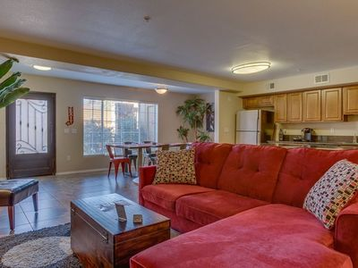 Photo for Comfortable 2 Bed Townhome in Uptown Phoenix 105