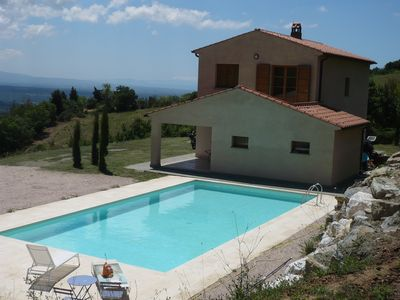 Photo for Villa with large swimming pool in a panoramic position facing the sea and hills.