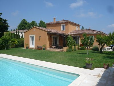 Photo for Isle sur Sorgue 10 minutes walk from the center Comfortable house, swimming pool,