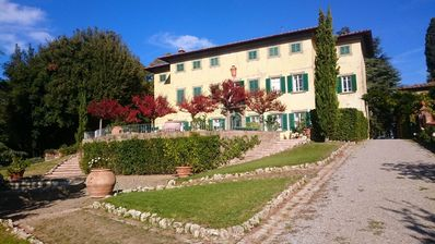 Photo for Exclusive Villa 18th century, with pool. Fine winery in Chianti central Tuscany