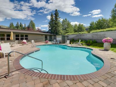 Photo for Welcoming condo w/ shared pools, hot tub, sauna, tennis & more!