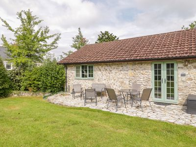 Photo for BRIGAND COTTAGE, pet friendly in Axminster, Ref 1013191